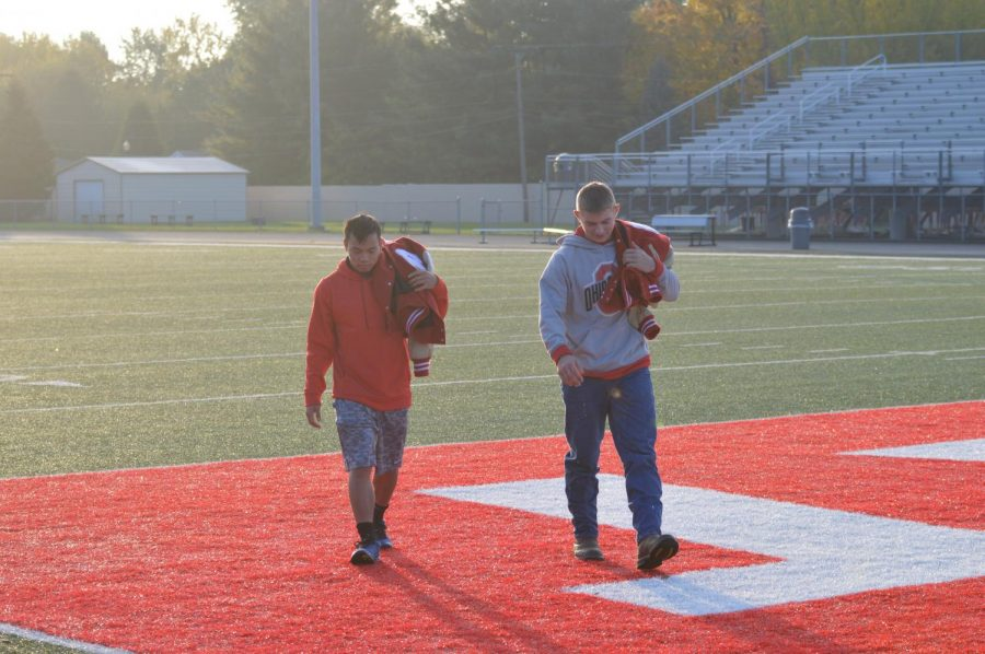 SHS seniors play their last moments on the Cardinal football team