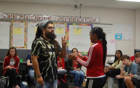 Deaf wrestler brings hope to ASL students