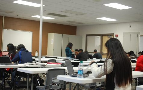English teacher hosts iPass sessions to provide life skills to EL students