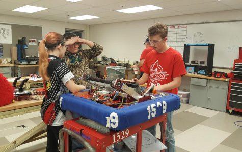 Robotics team kicks off season at UIndy