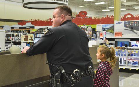 Cops stop to shop