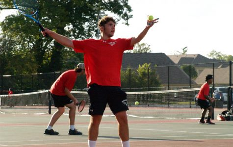 Boys Tennis defeats Roncalli