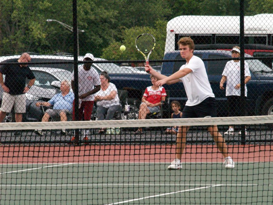 Boys tennis team defeats Falcons