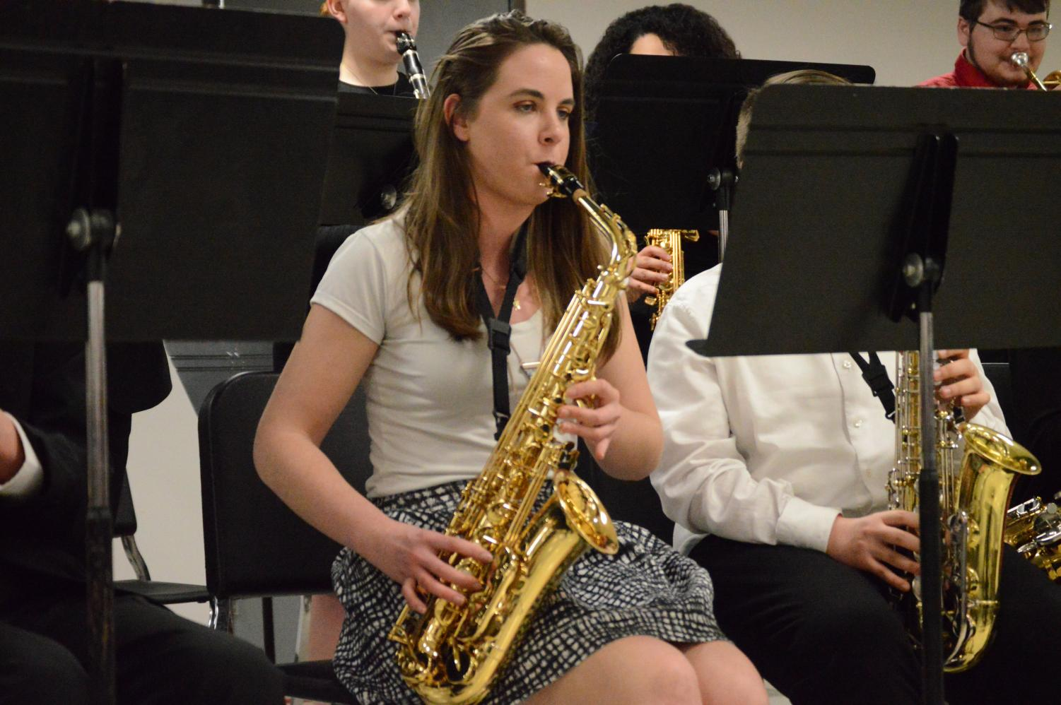 Senior+Amy+Norris+plays+her+solo+in+the+Jazz+band+concert+on+Feb.+26.