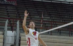 Boys volleyball goes 1-1 in tri-match