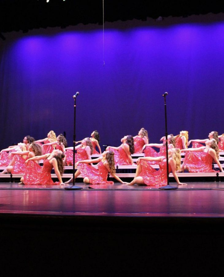 The+%22Ladies+First+Show+Choir%22+group+performs+at+their+competition+in+February.+The+%22Ladies+First+Show+Choir%22+group+is+one+of+the+advanced+groups+that+perform+at+Extravaganza.+