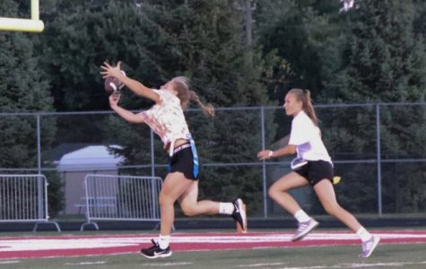 Juniors win championship Powderpuff game on last-ditch effort