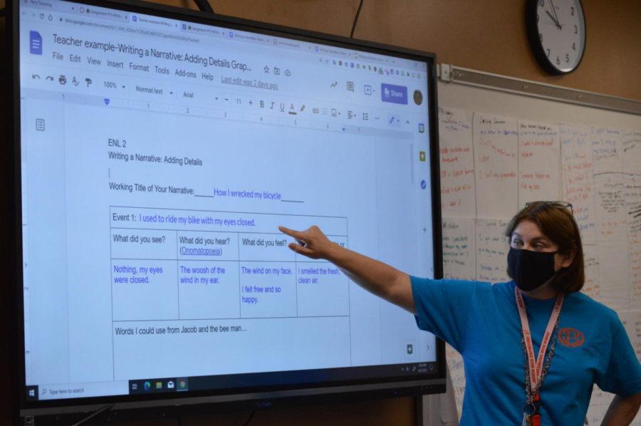 Amy Peddie teaching a lesson in her E.L. class